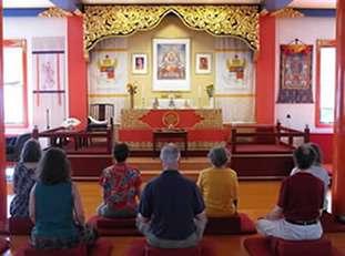sitting_shrine_005